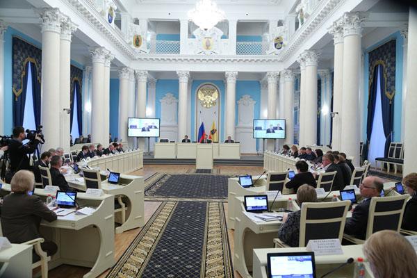 Исчезновение власти. Главный политический итог года в Рязани: люди и номенклатура стали сами по себе. 8(181)