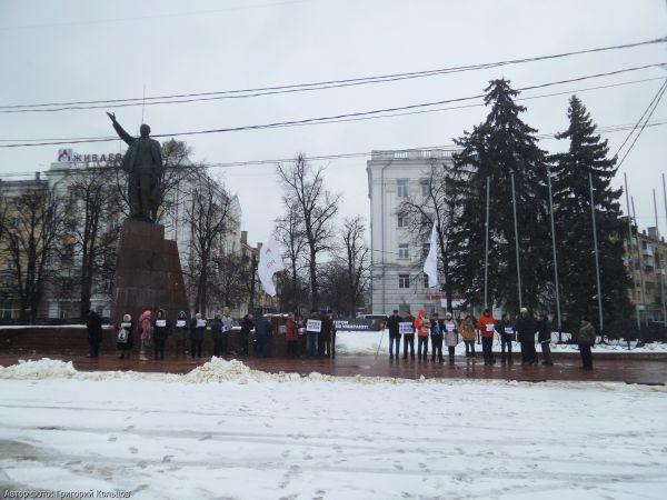 Рязанцы почтили память убитого год назад Немцова Ne7