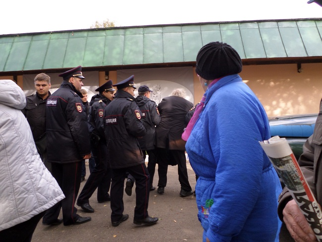 В Константиново с применением насилия задержаны 77-летний залуженный архитектор Гаврилов, активисты Кочетков и Петруцкий Zaderj3