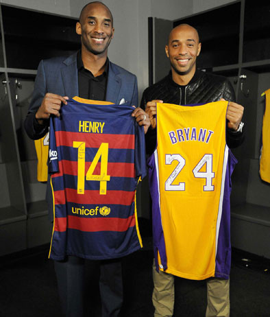 ¿Cuánto mide Thierry Henry? - Real height Henry_kobe_394