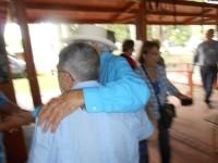 BLOGS Y PERIODISTAS POCO SERIOS INVENTAN ATENTADO CONTRA POSADA CARRILES LUISPOSADAABRAZAAALDO-200x150