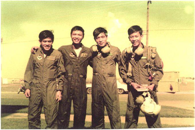 không - SỬ LIỆU CHIẾN TRANH VN - KHÔNG QUÂN VNCH THÁNG 4, 1975 Tran-Van-Khoi-1-680x455