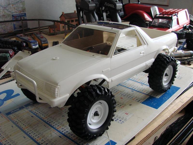 Axial  AX10 ARTR - Tamiya Subaru Brat 05