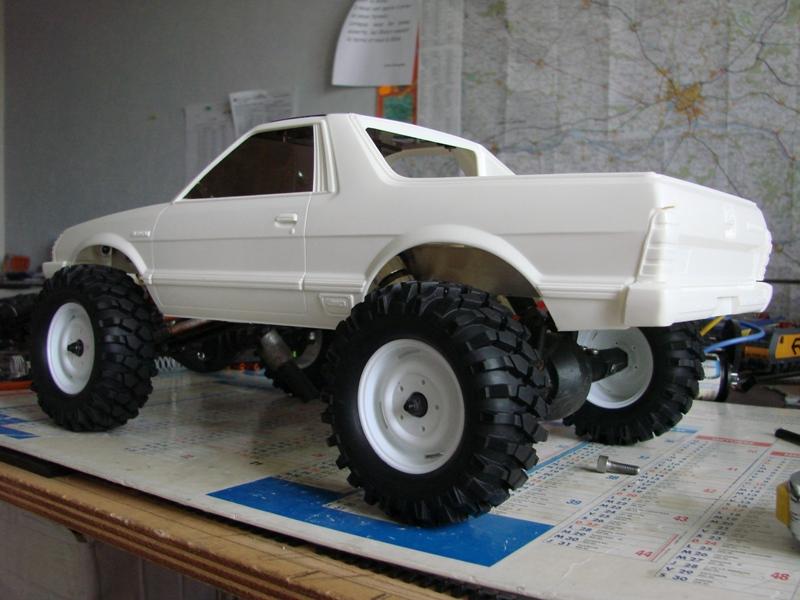 Axial  AX10 ARTR - Tamiya Subaru Brat 07