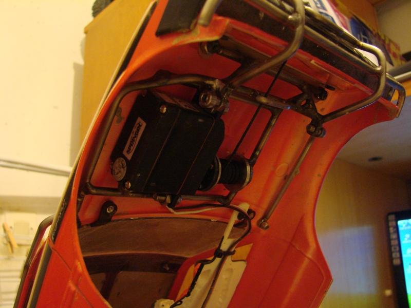 Axial  AX10 ARTR - Tamiya Subaru Brat 112