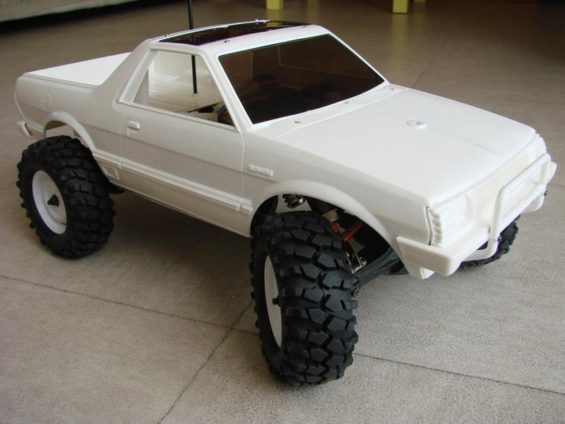 Axial  AX10 ARTR - Tamiya Subaru Brat 23