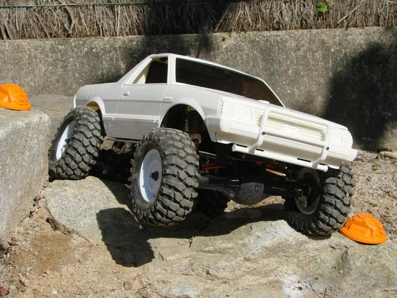 Axial  AX10 ARTR - Tamiya Subaru Brat 27