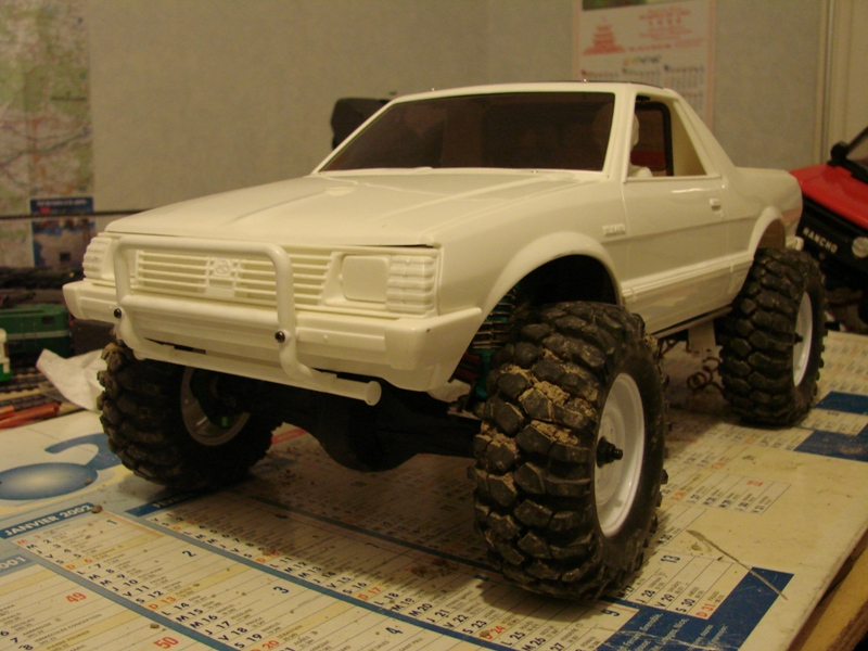 Axial  AX10 ARTR - Tamiya Subaru Brat 36