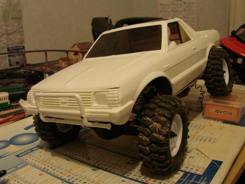 Axial  AX10 ARTR - Tamiya Subaru Brat 37