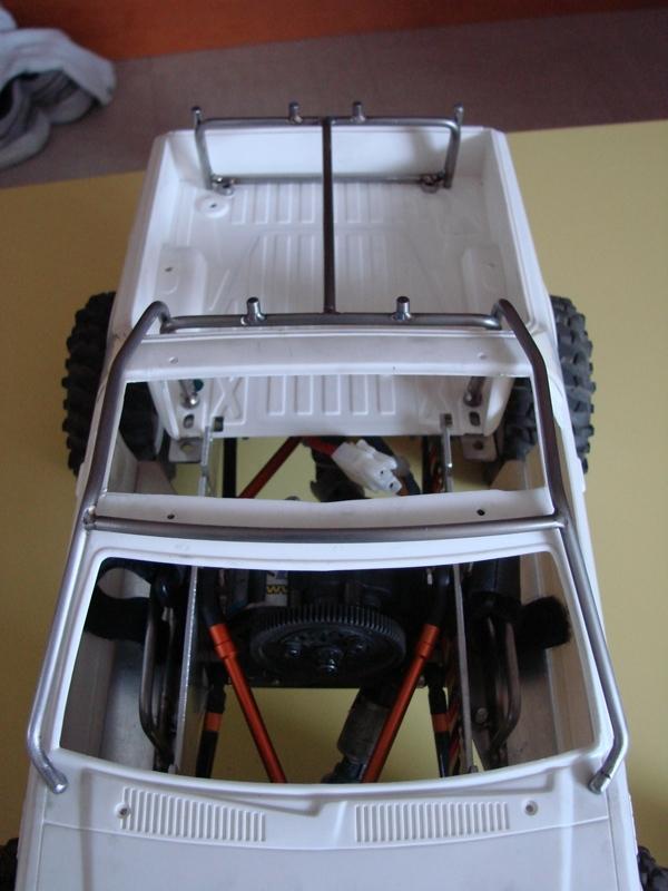 Axial  AX10 ARTR - Tamiya Subaru Brat 46