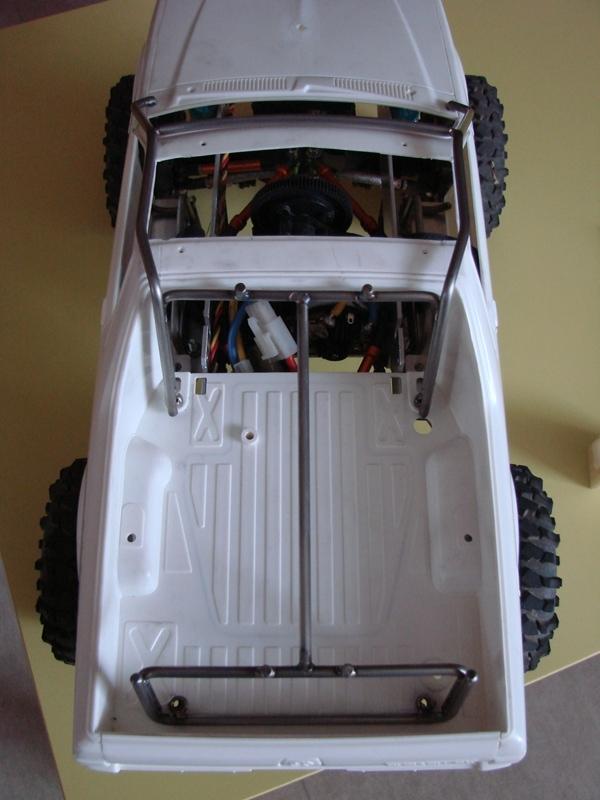 Axial  AX10 ARTR - Tamiya Subaru Brat 47