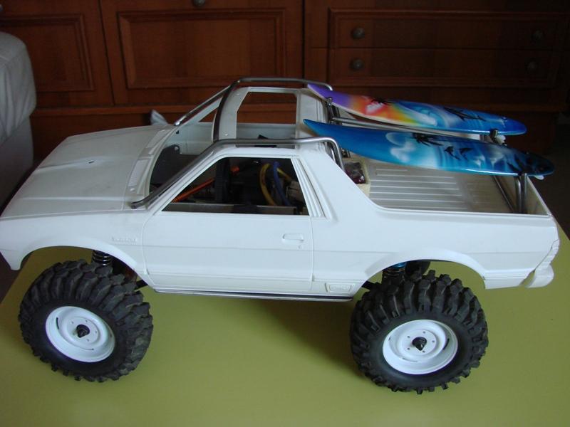 Axial  AX10 ARTR - Tamiya Subaru Brat 51
