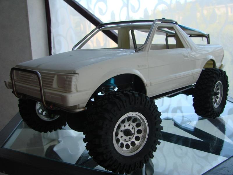 Axial  AX10 ARTR - Tamiya Subaru Brat 57
