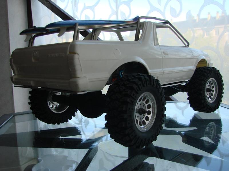 Axial  AX10 ARTR - Tamiya Subaru Brat 58