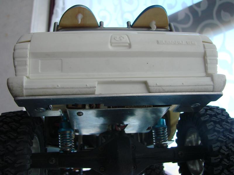 Axial  AX10 ARTR - Tamiya Subaru Brat 59