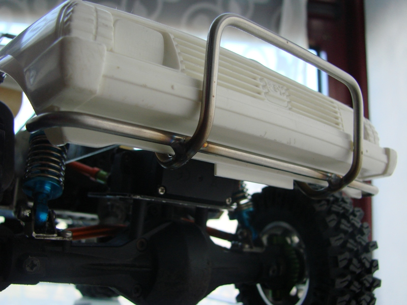 Axial  AX10 ARTR - Tamiya Subaru Brat 60