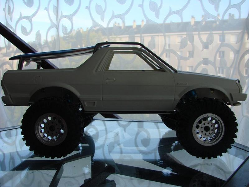 Axial  AX10 ARTR - Tamiya Subaru Brat 61