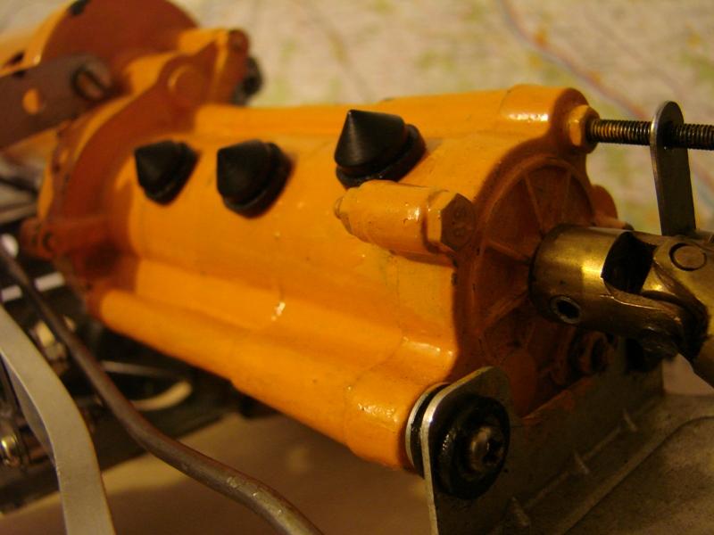 Tamiya blasing Blazer Bruiser - Citroen Traction 15/6 Heller - 1948 012