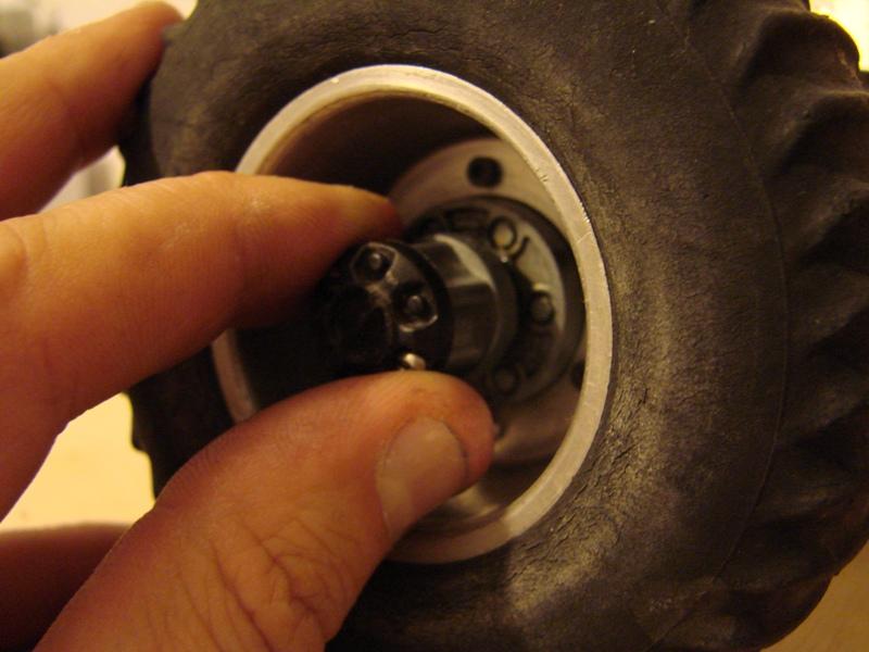 Tamiya blasing Blazer Bruiser - Citroen Traction 15/6 Heller - 1948 016
