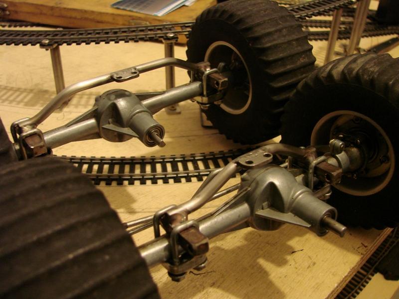Tamiya blasing Blazer Bruiser - Citroen Traction 15/6 Heller - 1948 027