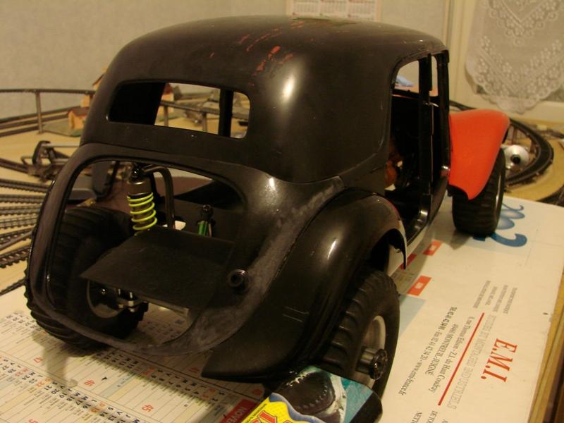 Tamiya blasing Blazer Bruiser - Citroen Traction 15/6 Heller - 1948 060