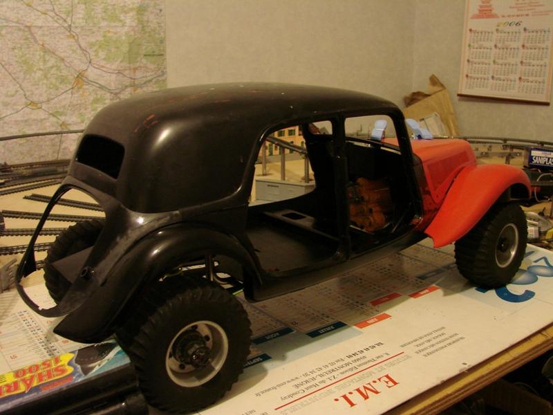 Tamiya blasing Blazer Bruiser - Citroen Traction 15/6 Heller - 1948 062