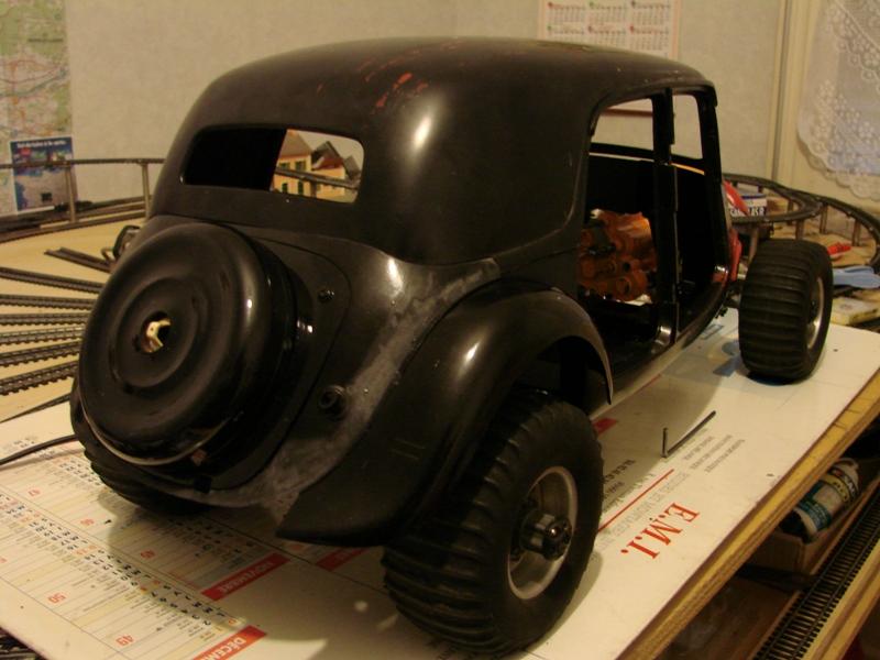 Tamiya blasing Blazer Bruiser - Citroen Traction 15/6 Heller - 1948 069