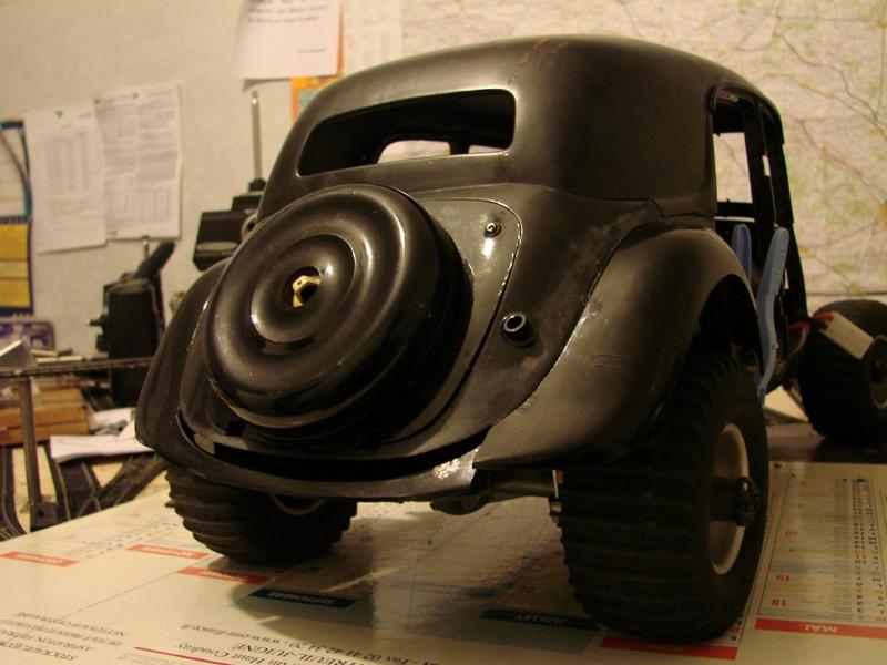 Tamiya blasing Blazer Bruiser - Citroen Traction 15/6 Heller - 1948 076