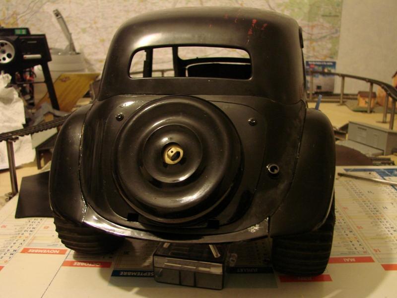 Tamiya blasing Blazer Bruiser - Citroen Traction 15/6 Heller - 1948 078