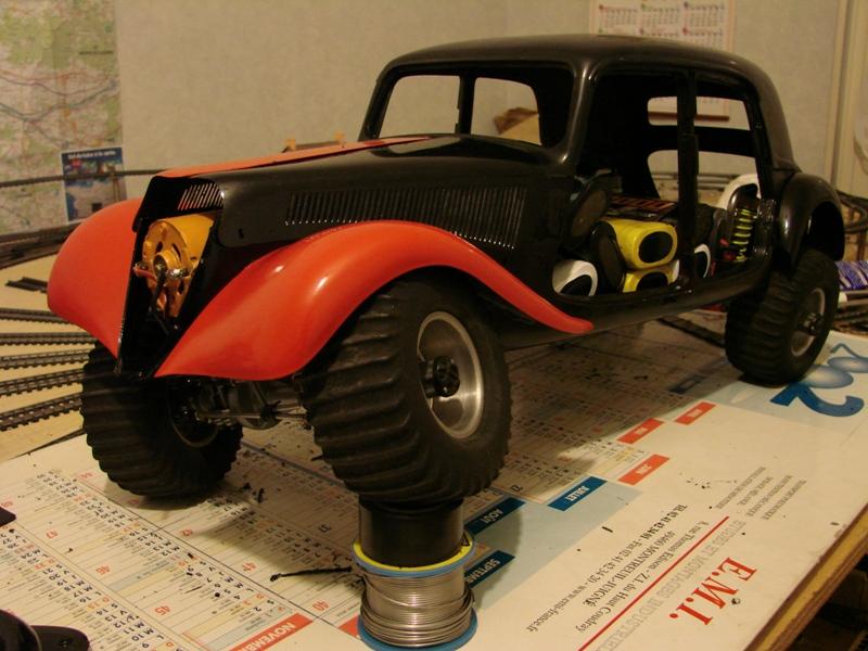 Tamiya blasing Blazer Bruiser - Citroen Traction 15/6 Heller - 1948 084