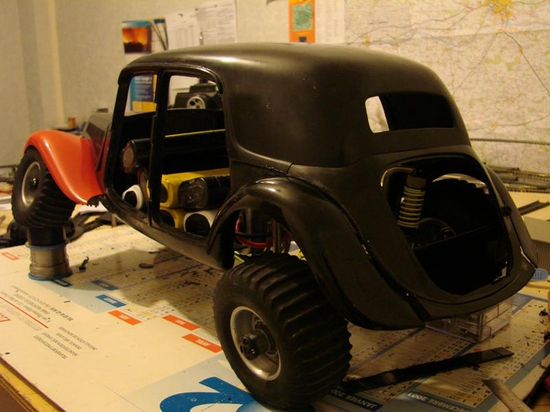 Tamiya blasing Blazer Bruiser - Citroen Traction 15/6 Heller - 1948 087