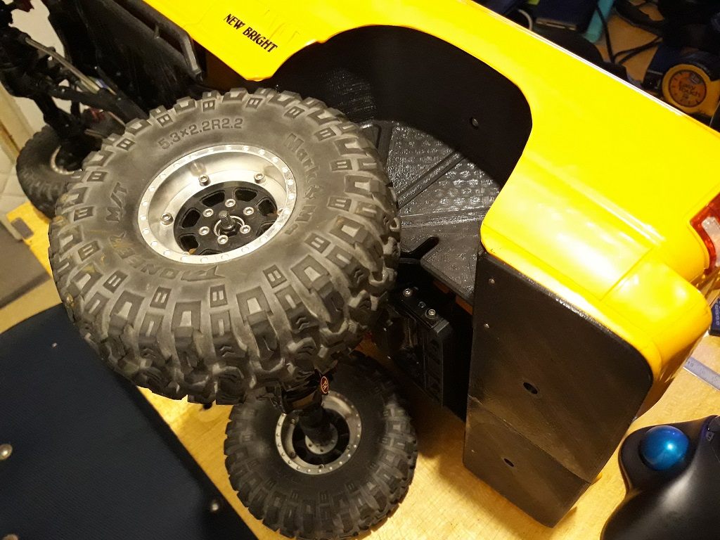 [TRACTION HOBBY CRAGSMAN] Jeep Wrangler  -  Dodge Ram 1500 (page 2) - Page 2 058