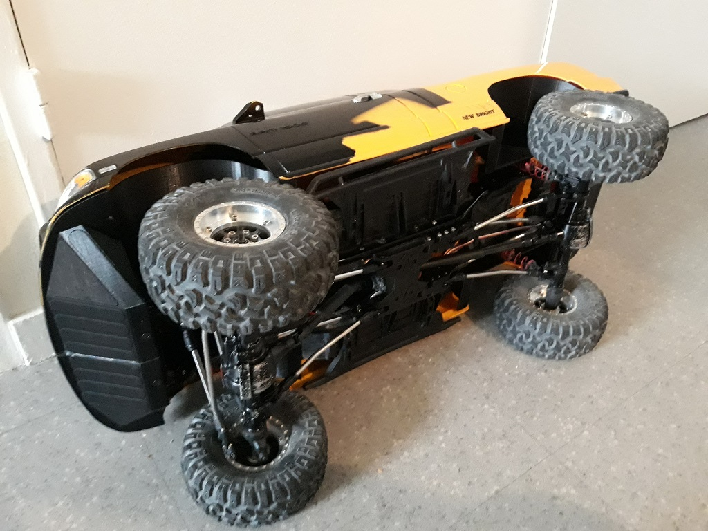 [TRACTION HOBBY CRAGSMAN] Jeep Wrangler  -  Dodge Ram 1500 (page 2) - Page 2 065