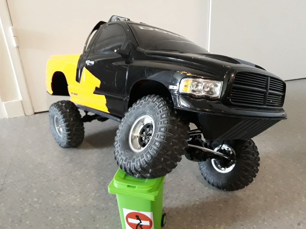[TRACTION HOBBY CRAGSMAN] Jeep Wrangler  -  Dodge Ram 1500 (page 2) - Page 2 085