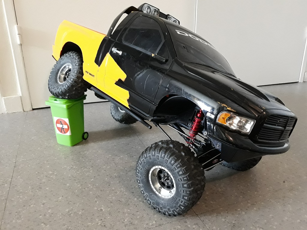 [TRACTION HOBBY CRAGSMAN] Jeep Wrangler  -  Dodge Ram 1500 (page 2) - Page 2 086