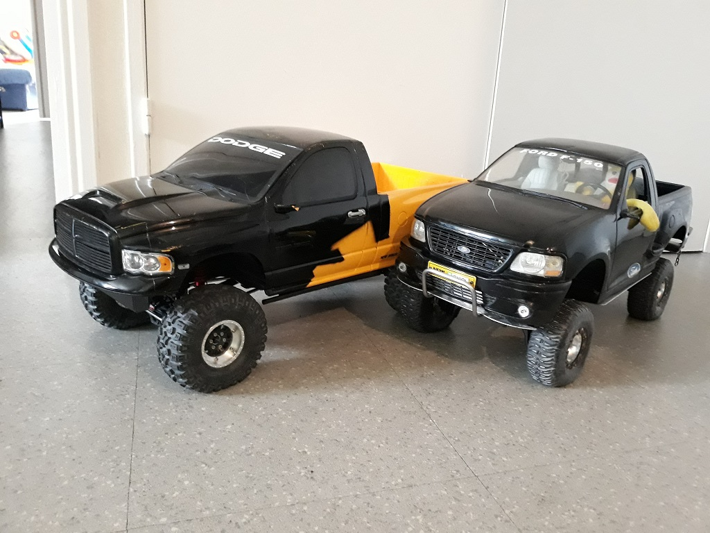 [TRACTION HOBBY CRAGSMAN] Jeep Wrangler  -  Dodge Ram 1500 (page 2) - Page 2 090