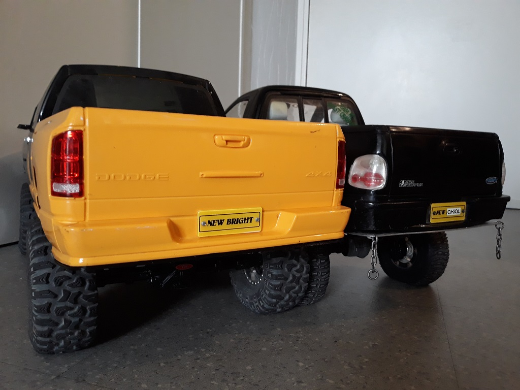 [TRACTION HOBBY CRAGSMAN] Jeep Wrangler  -  Dodge Ram 1500 (page 2) - Page 2 096