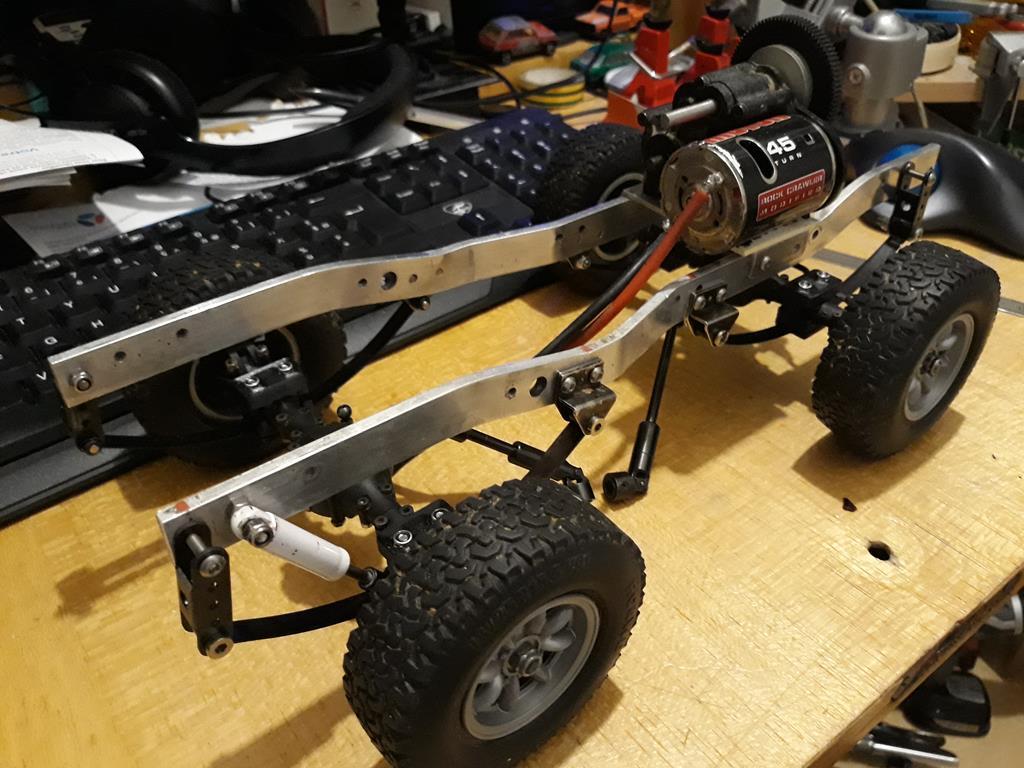 Dodge A100 4x4 - Pont SDI et trans axial 012