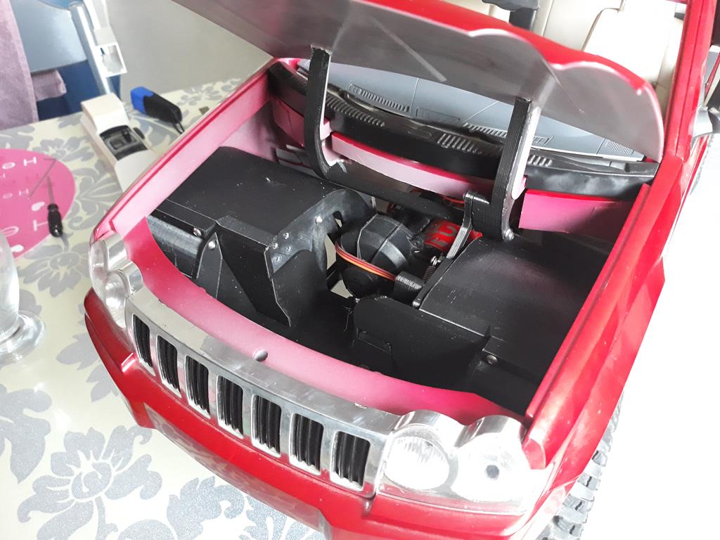 TRACTION HOBBY CRAGSMAN - Jeep Grand Cherokee 5.7L Limited 2006 32