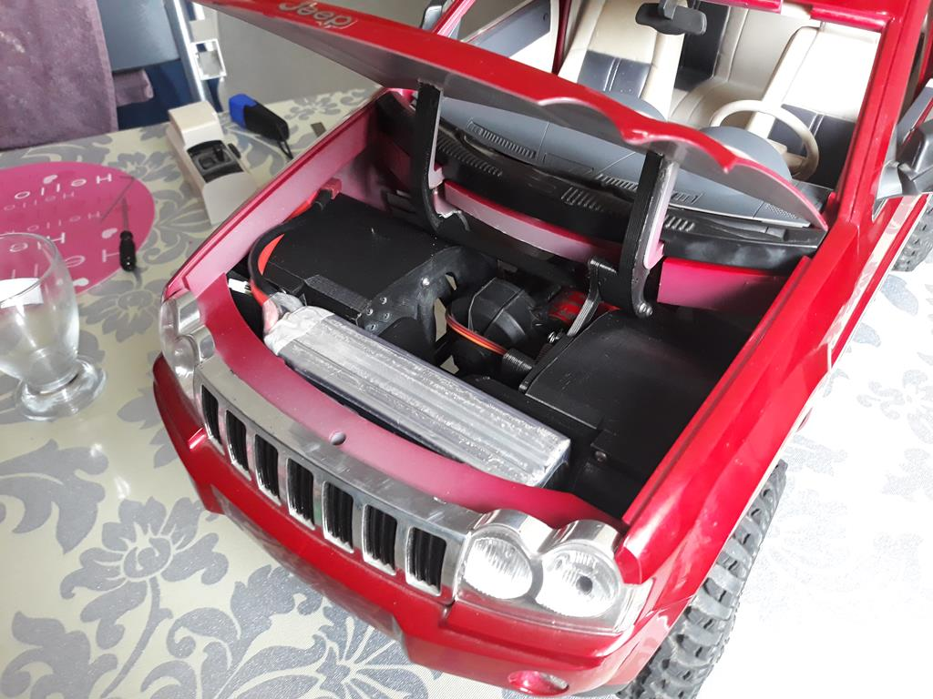 TRACTION HOBBY CRAGSMAN - Jeep Grand Cherokee 5.7L Limited 2006 36