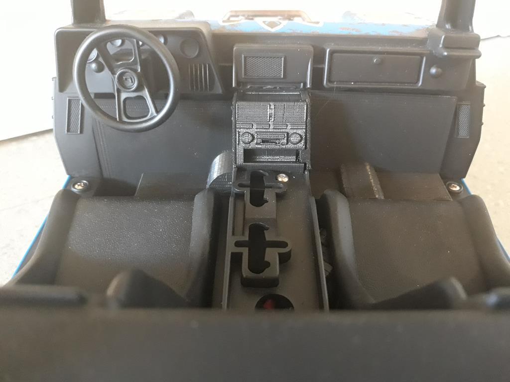 Traxxas TRX-4 sur Joustra Dune Cruiser Sioux 47