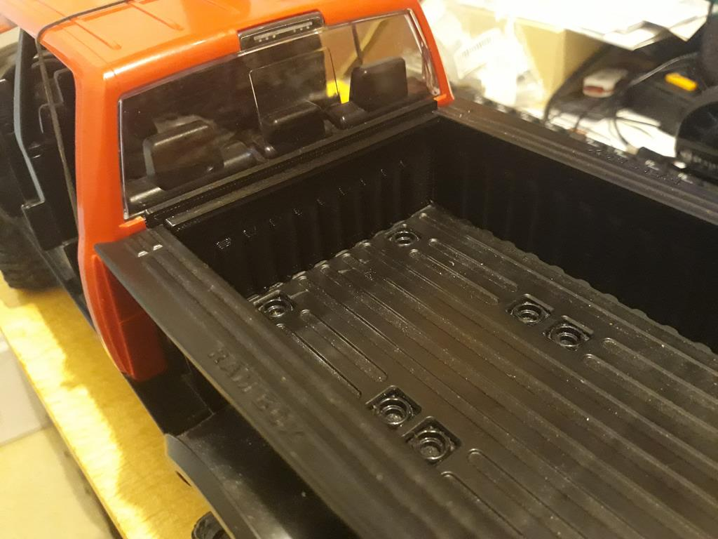 [WPL] Dodge Ram 2500 Heavy Duty Bruder 1/14 sur base WPL WPLB1 31
