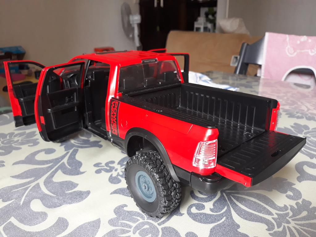 [WPL] Dodge Ram 2500 Heavy Duty Bruder 1/14 sur base WPL WPLB1 68