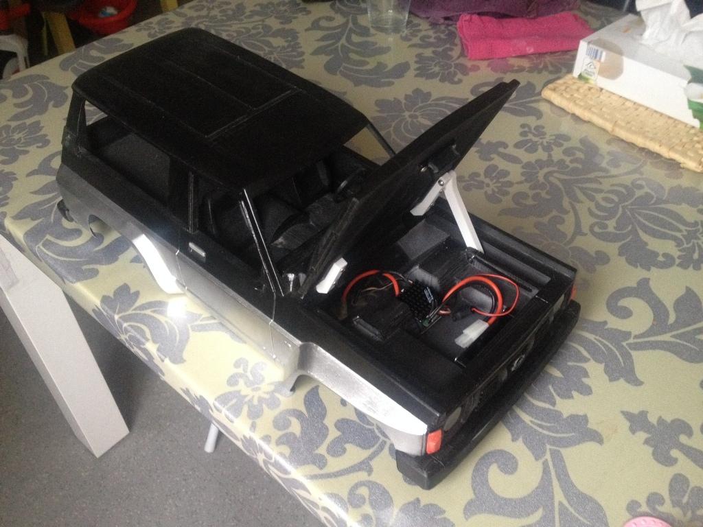 Axial SCX10 Nissan Patrol Y60 - ech:1/8 - Impression 3D Patrol-103