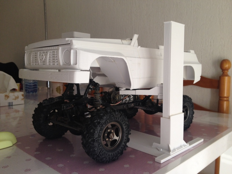 Axial SCX10 Nissan Patrol Y60 - ech:1/8 - Impression 3D Patrol-43
