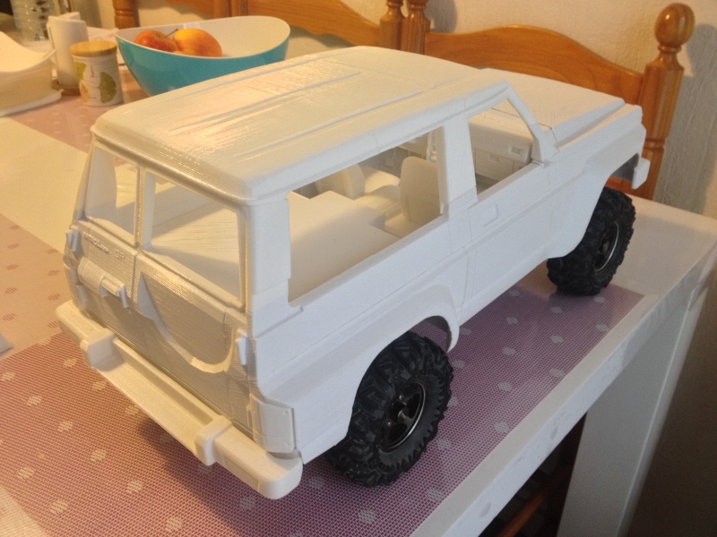 Axial SCX10 Nissan Patrol Y60 - ech:1/8 - Impression 3D Patrol-61