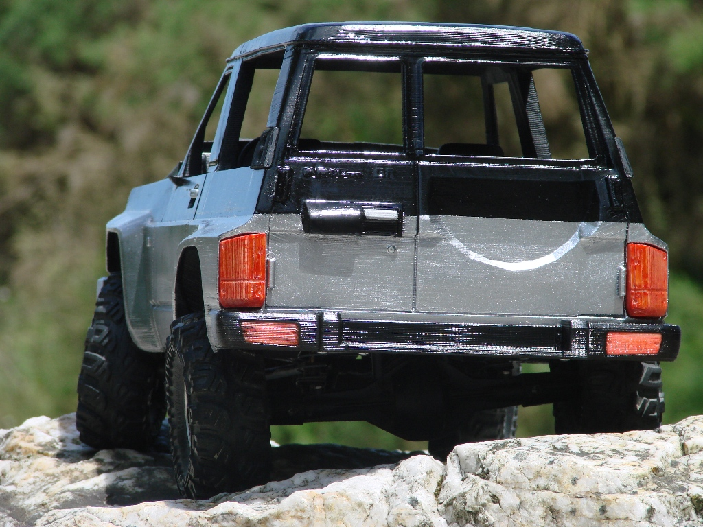 Axial SCX10 Nissan Patrol Y60 - ech:1/8 - Impression 3D Patrol-78