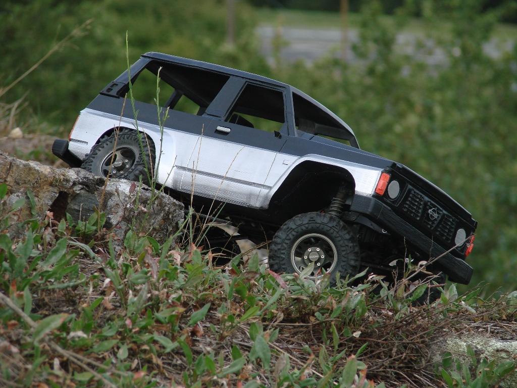 Axial SCX10 Nissan Patrol Y60 - ech:1/8 - Impression 3D Patrol-86