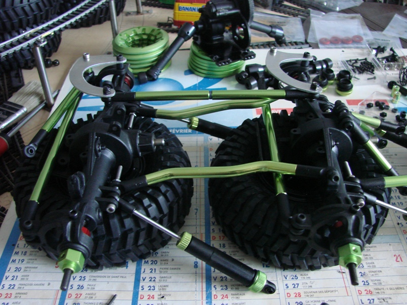 Venom Creeper - Axial SCX10 - ZIS E134 1955 - 8x8 ou 12x12 avec la remorque 025