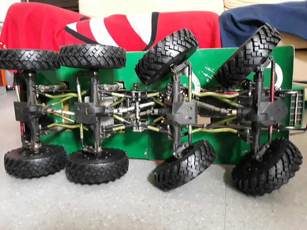 Venom Creeper - Axial SCX10 - ZIS E134 1955 - 8x8 ou 12x12 avec la remorque 259